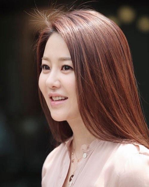 Vẻ ngoài hiện tại của Á hậu Go Hyun Jung - Hình 10