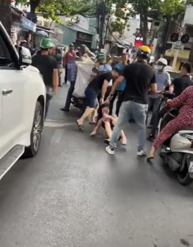 Tuesday bị bắt ghen vì nhún nhảy trên Lexus: Thường xuyên thả thính, nói đạo lý về tình yêu, khoe ảnh xài đồ hiệu, đi xe sang - Hình 1