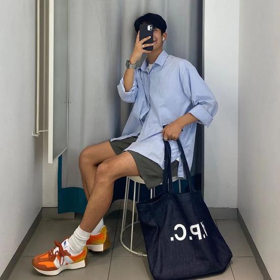 Chàng trai Hàn Quốc nổi tiếng trên mạng nhờ ăn mặc đẹp - Hình 9