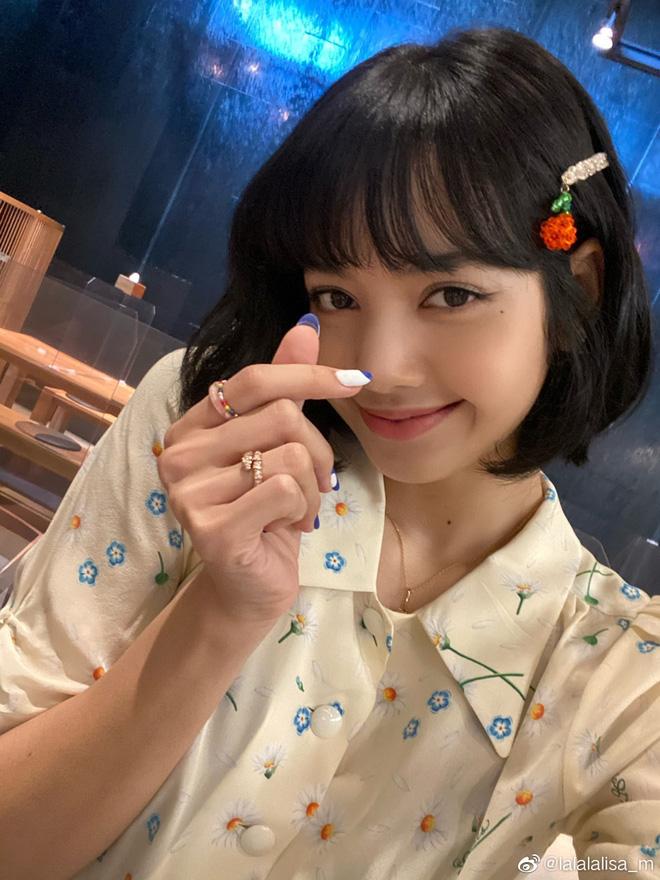 5 kiểu tóc uốn chuẩn mùa thu của sao Hàn, bạn diện theo vừa ăn gian tuổi siêu phàm lại còn sang xịn - Hình 19