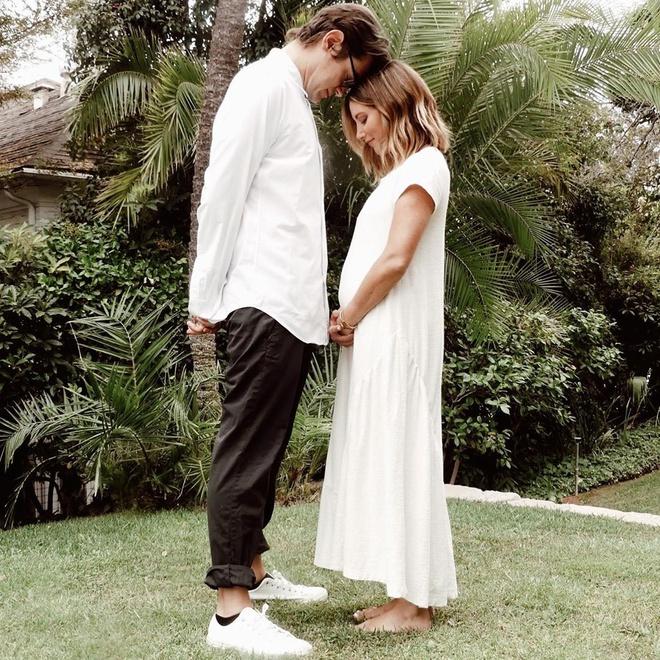 Ashley Tisdale mang thai con đầu lòng - Hình 1