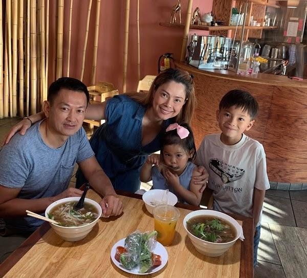 Thanh Thảo lo lắng vì con trai Ngô Kiến Huy mãi không lớn: 10 tuổi vẫn thấp bé, nhẹ cân hơn các bạn - Hình 2