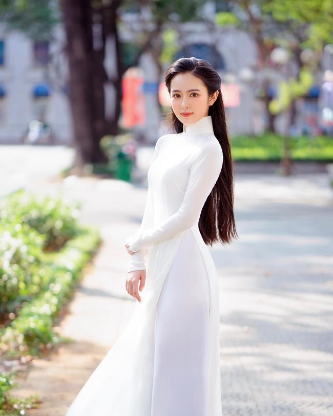 Thiếu nữ Việt nổi như cồn khi mặc áo dài không bó chẽn vẫn đẹp và gợi cảm - Hình 2