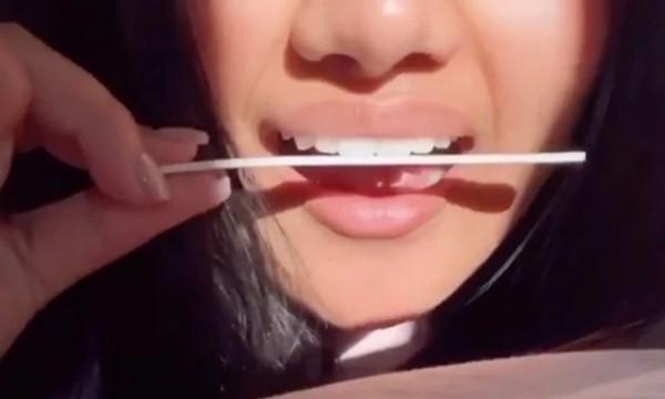 Dùng giũa móng tay mài răng để có nụ cười đẹp: Các TikToker bảo an toàn, nha sĩ bảo sao? - Hình 2