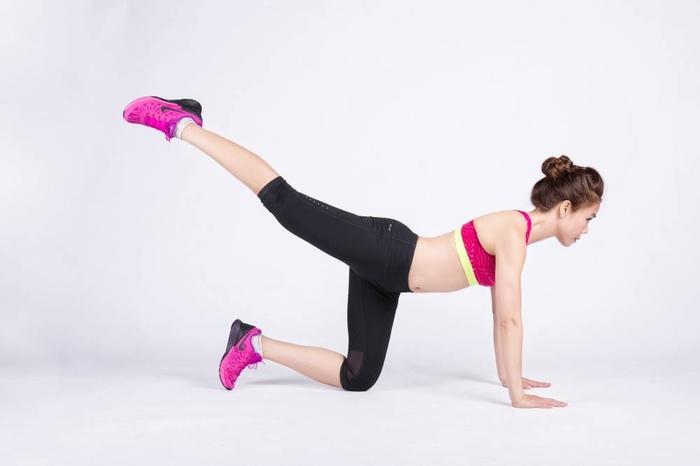 Quên squat nặng nhọc đi, 4 bài tập này sẽ giúp bạn sở hữu mông quả táo mà đùi vẫn thon gọn - Hình 2