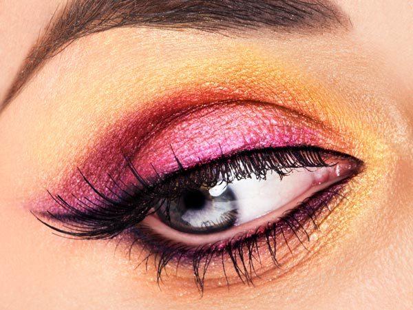 BS bệnh viện Mắt trung ương chia sẻ cách trang điểm mắt an toàn - Hình 1