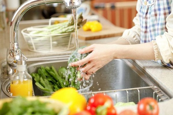Cách loại bỏ thuốc trừ sâu, hóa chất độc hại trong rau củ quả - Hình 1