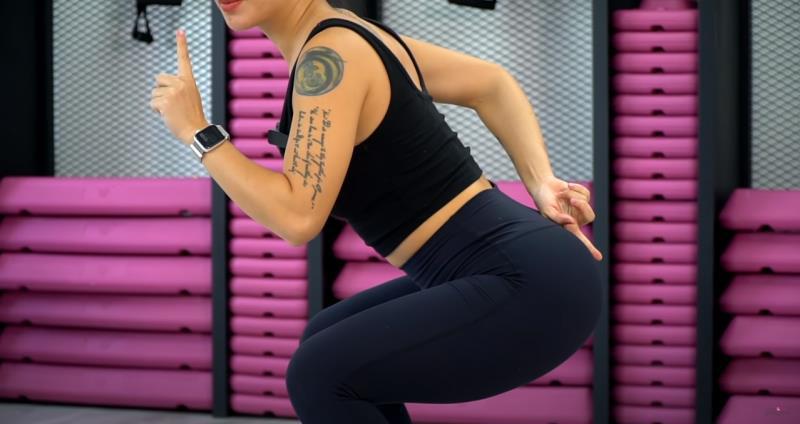 Học nữ hoàng phòng gym Hana Giang Anh kĩ thuật squat - Hình 1