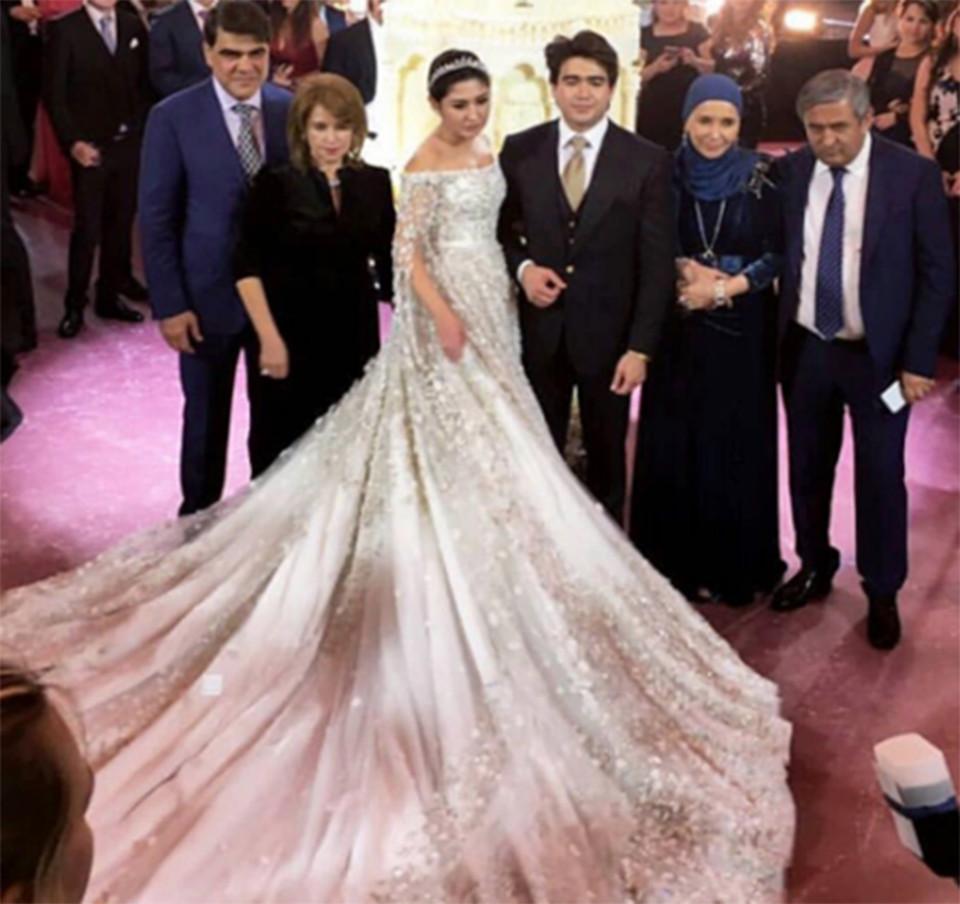 4 năm sau đám cưới xa hoa với chiếc váy 14 tỷ đồng, bánh cưới cao hơn 3m, cuộc sống của tiểu thư giàu có bậc nhất nước Nga ra sao? - Hình 4