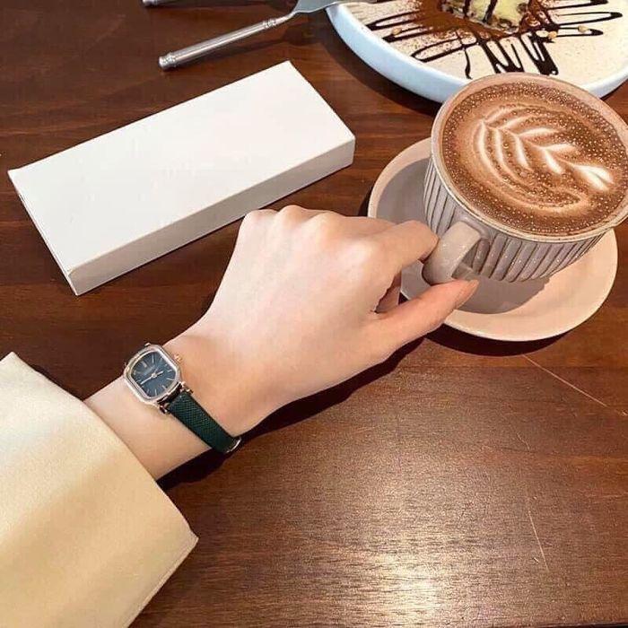 Nguyên tắc chọn đồng hồ dành cho phái đẹp: Ưu tiên kiểu dáng nhỏ - Hình 2
