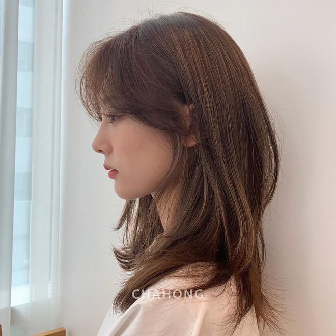Ướm thử kiểu tóc layer dài qua vai, các nàng sẽ thời thượng hẳn lên, ai nhìn cũng tấm tắc - Hình 2