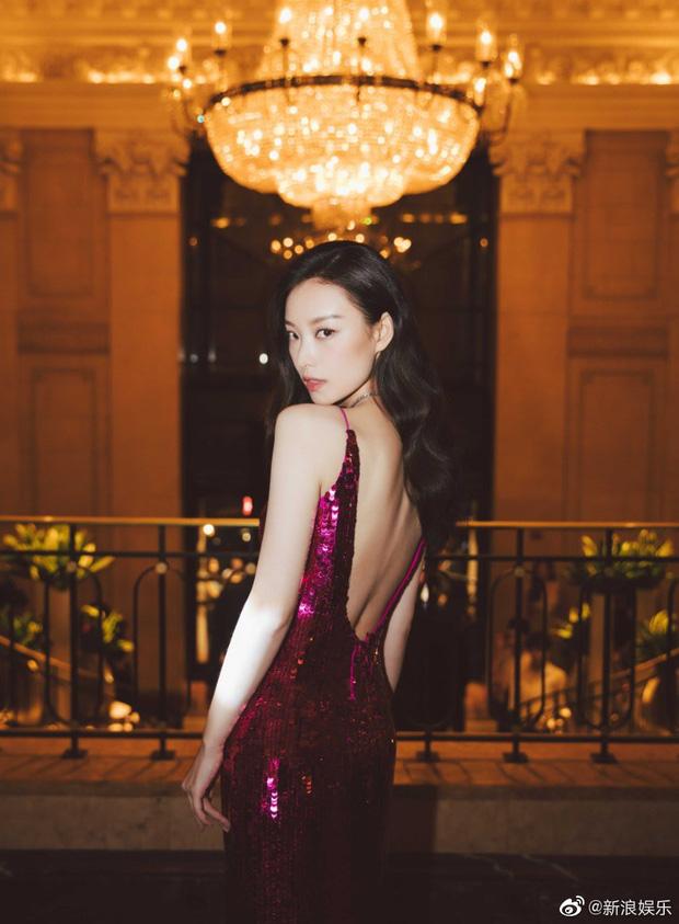 Cuồng vai đẹp như dàn mỹ nhân Hoa ngữ, dân tình thi nhau tập tành để tha hồ diện váy hở lưng đẹp mê hồn - Hình 2