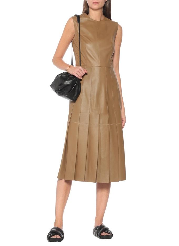 Gợi ý 10 kiểu váy da mùa thu - Hình 6