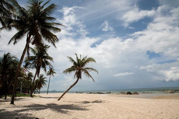 Du khách Mỹ đối mặt 2 năm tù vì bình luận xấu về khu nghỉ dưỡng Thái Lan - Hình 1