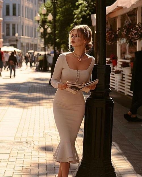 Váy là vật bất li thân cho các nàng thơ xinh đẹp vào mùa Thu - Hình 6