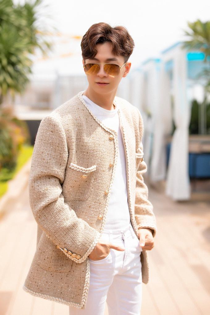 Vì sao Trấn Thành, Karik thích mặc áo khoác vải tweed? - Hình 4