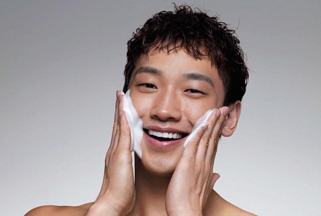 4 bước chăm da giúp nam giới không bị mụn - Hình 1