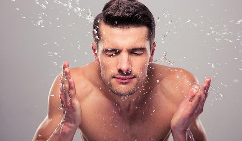 4 bước chăm da giúp nam giới không bị mụn - Hình 2