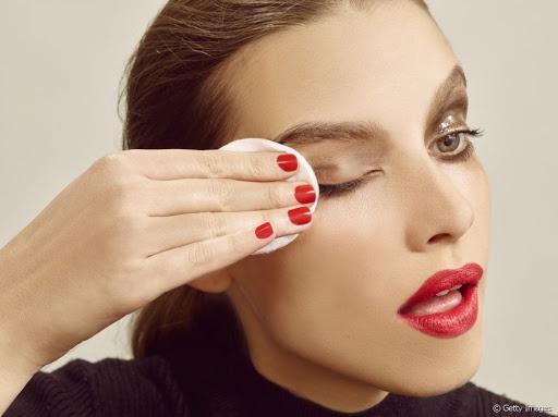 7 bước chăm sóc vùng da quanh mắt - Hình 3