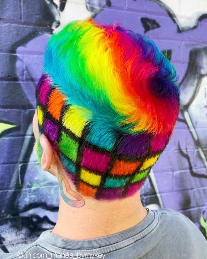 Nhà tạo mẫu tóc Australia chuyên nhuộm màu cầu vồng - Hình 4