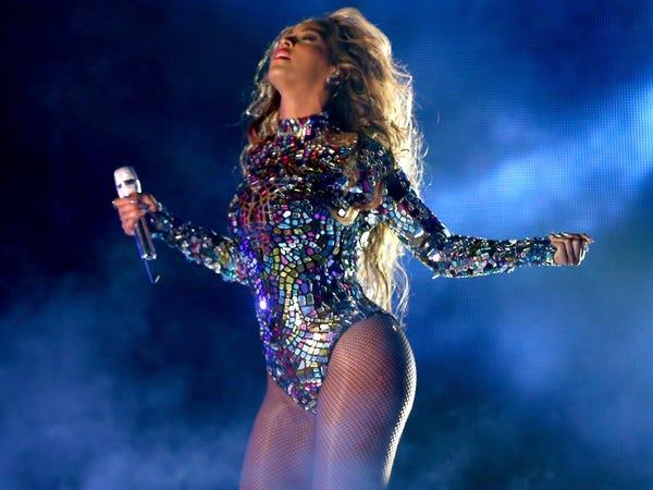 Cô gái kiệt sức vì tập luyện giống Beyoncé - Hình 3