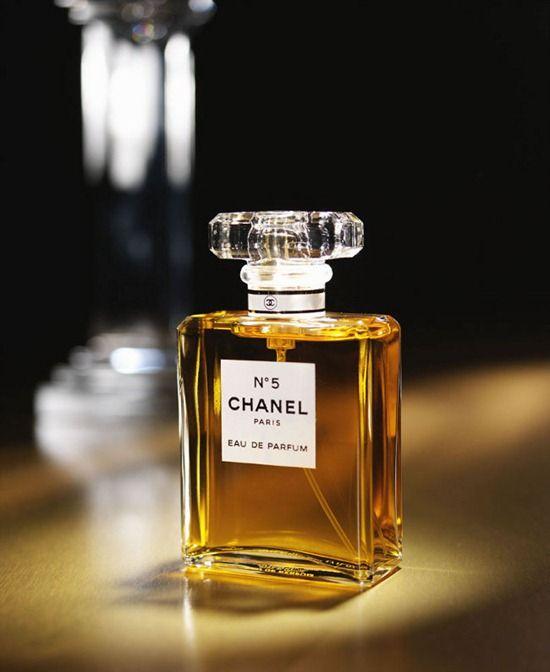 Ngoài N°5 huyền thoại, Chanel còn tới 4 mùi hương khác đầy bí ẩn và ma lực khiến các chàng phải đắm say - Hình 2