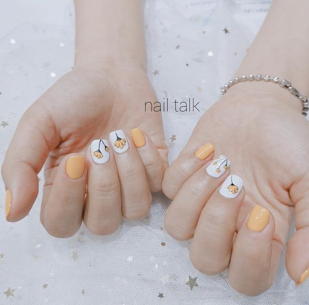 11 mẫu nail cute xỉu lên tay xinh hết nấc mà vẫn nhẹ nhàng để diện đi học - Hình 10