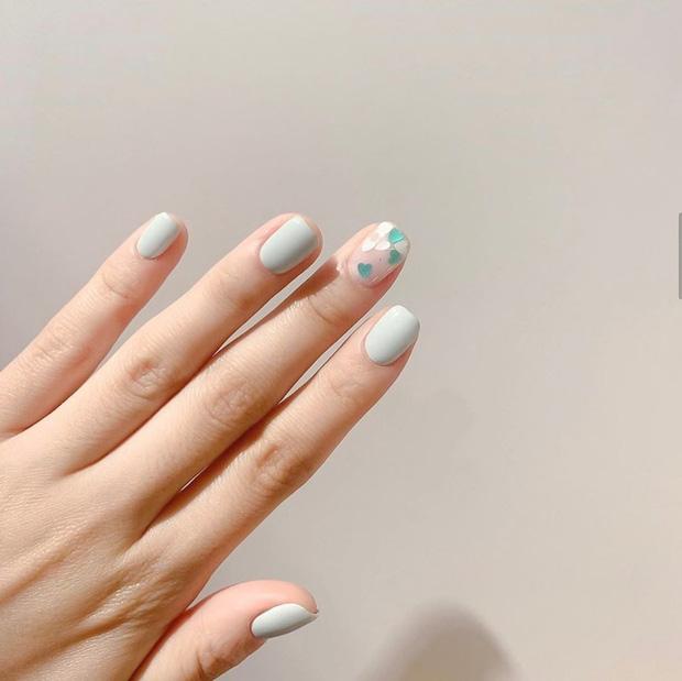 11 mẫu nail cute xỉu lên tay xinh hết nấc mà vẫn nhẹ nhàng để diện đi học - Hình 6