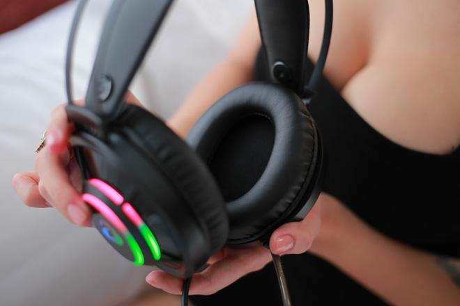 Tai nghe gaming DareU EH469: Vô địch trong tầm giá, chất âm tuyệt vời và thiết kế tròn đẹp mướt mắt - Hình 4