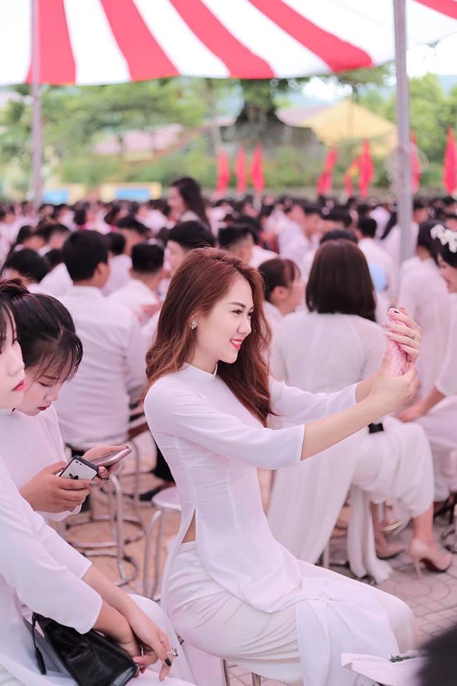 Nữ sinh em chưa 18 Phú Thọ rủ nhau thi hoa hậu: Cứ mặc áo dài là đẹp ngẩn ngơ - Hình 3