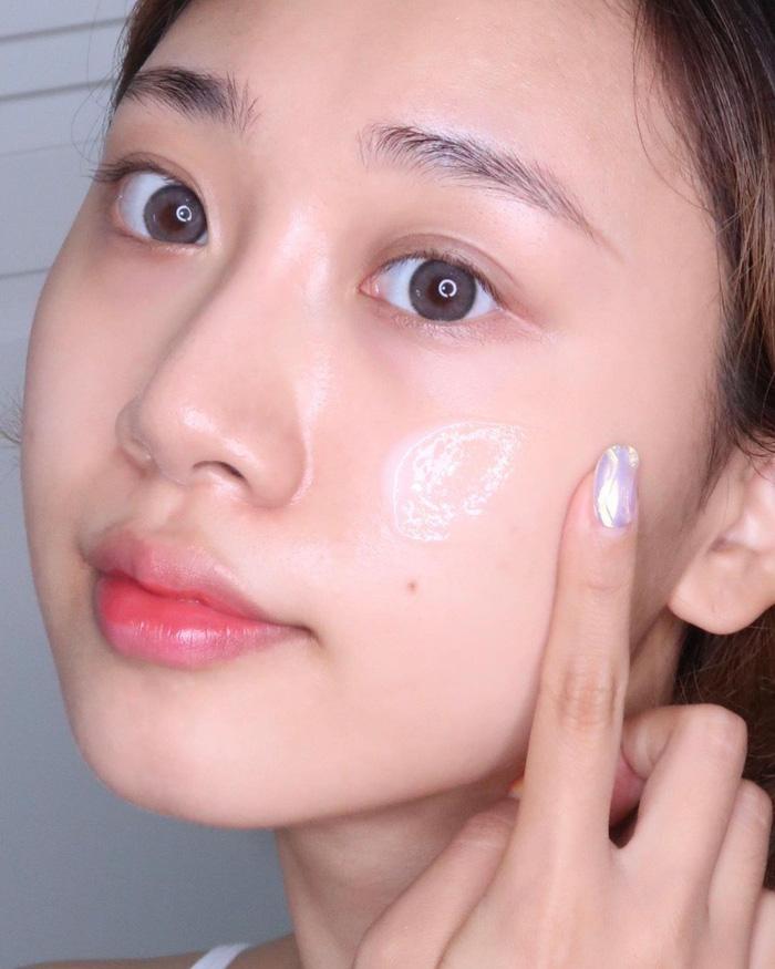 6 bí mật chăm sóc da mùa Đông giúp giữ làn da căng mượt trong những ngày khô lạnh nhất - Hình 2