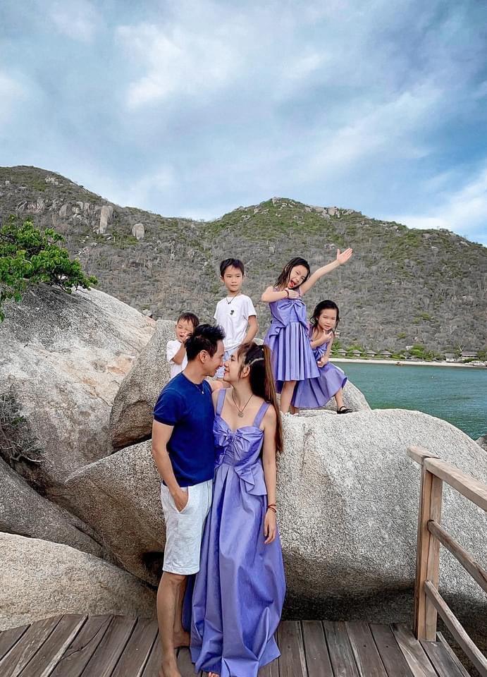 Gia đình Vbiz mặc sành nhất 2020 gọi tên Lý Hải-Minh Hà - Hình 2