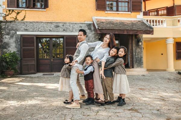 Gia đình Vbiz mặc sành nhất 2020 gọi tên Lý Hải-Minh Hà - Hình 20