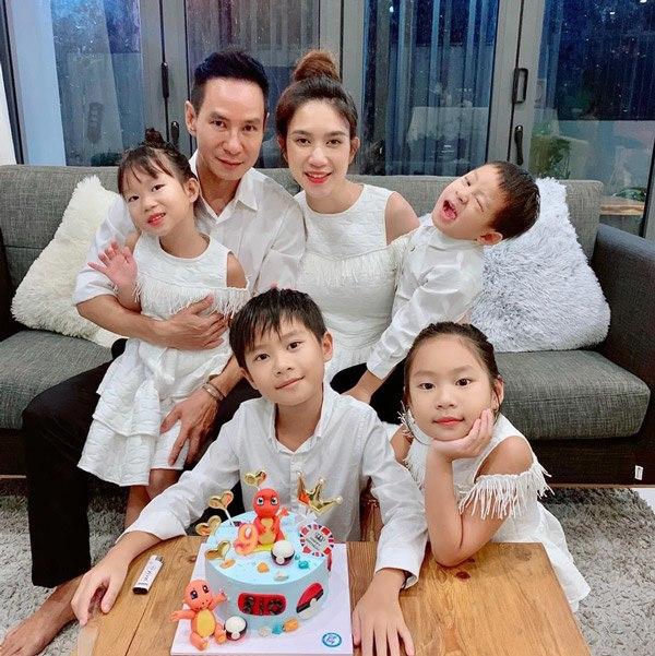 Gia đình Vbiz mặc sành nhất 2020 gọi tên Lý Hải-Minh Hà - Hình 1