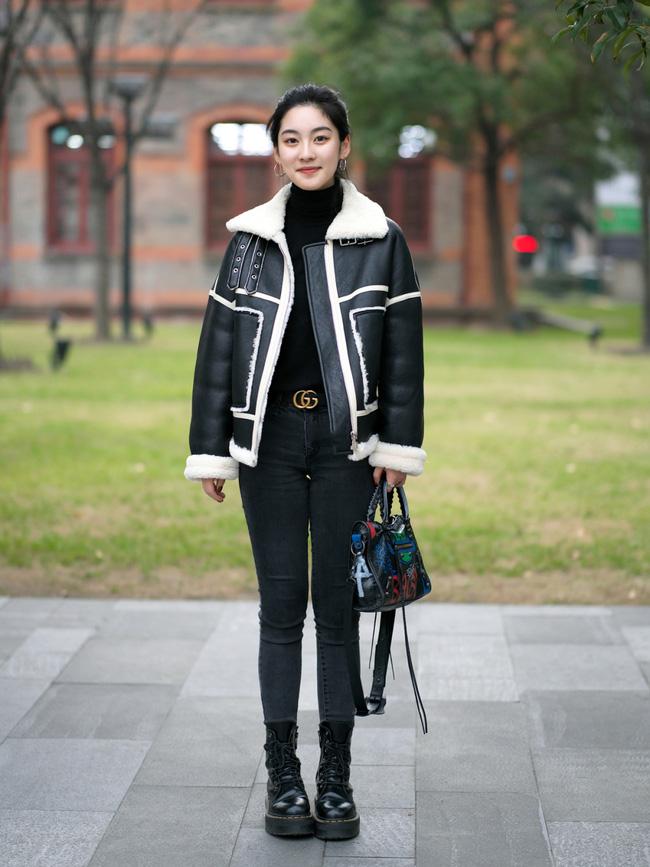 Street style trước thềm đi đón Giao thừa của các quý cô Châu Á: Dù trời lạnh vẫn mặc đẹp bất chấp - Hình 9