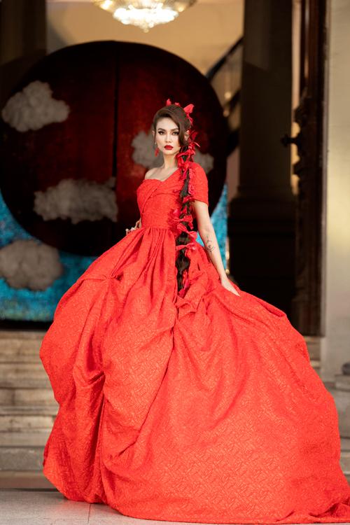 Võ Hoàng Yến như công chúa trong show Vũ Ngọc và Son - Hình 3