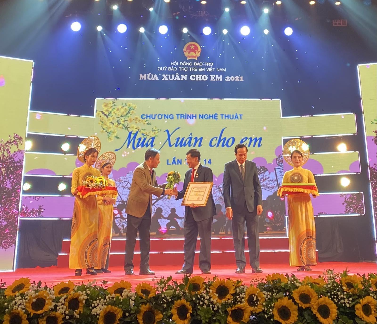 Rich Kid Tiên Nguyễn trao tặng 3 tỷ đồng cho trẻ em có hoàn cảnh khó khăn - Hình 5