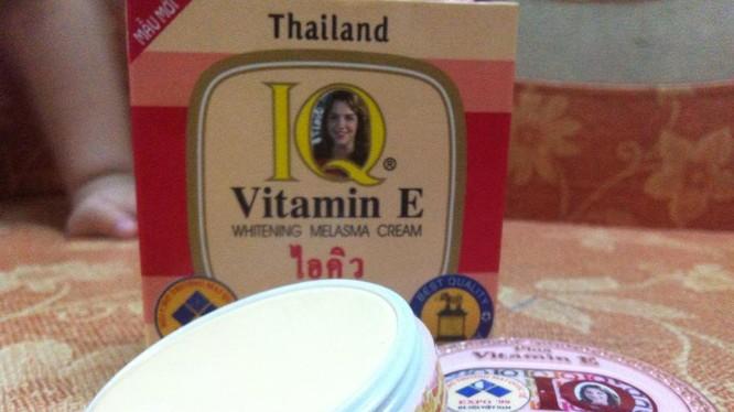 Lạ: Chứa thuỷ ngân vượt ngưỡng, kem thoa mặt IQ Vitamin E vẫn được chào bán tràn lan trên mạng - Hình 1