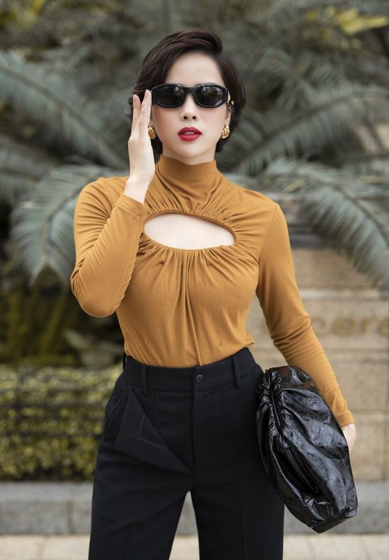 Bella Mai diện đồ bó khoe dáng đồng hồ cát - Hình 3