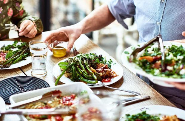 6 lời khuyên để từ bỏ chế độ ăn kiêng và ăn uống trực quan hơn vào năm 2021 - Hình 2
