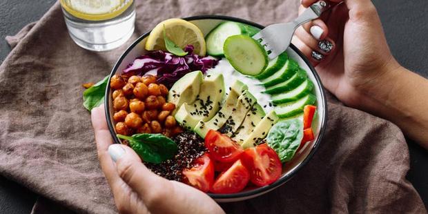 6 lời khuyên để từ bỏ chế độ ăn kiêng và ăn uống trực quan hơn vào năm 2021 - Hình 1