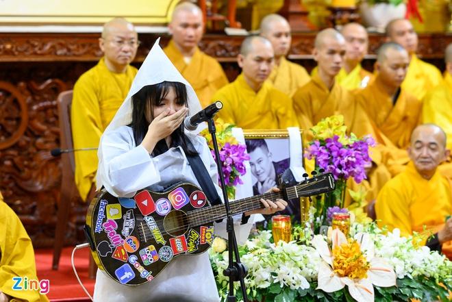 Gia đình đã nhận tro cốt của Vân Quang Long - Hình 1