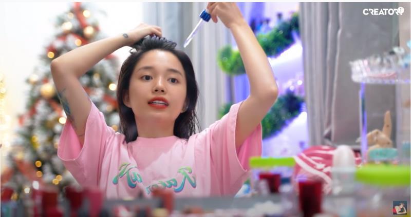 Học cô gái vàng trong làng nhuộm tóc cách phục hồi tóc sau hư tổn - Hình 4