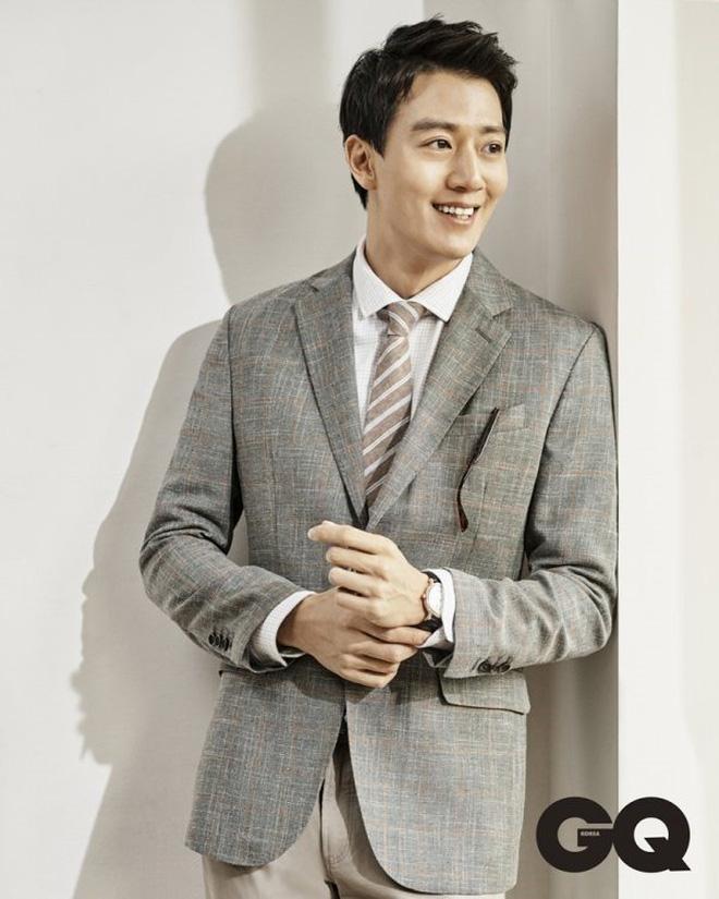 Giữa cuộc tranh cãi Tring Sang, Lee Jong Suk được mời đóng vai chính trong dự án phim hành động mới - Hình 9