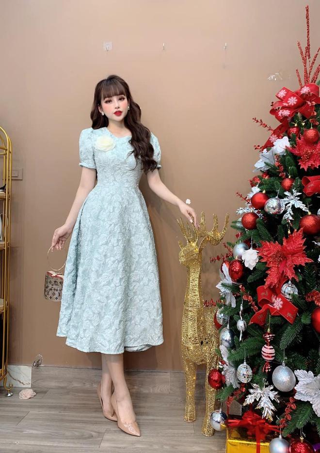 Tôn vinh nét tinh tế của phái đẹp với váy thiết kế Monoco - Hình 5
