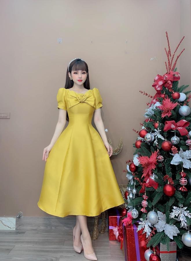 Tôn vinh nét tinh tế của phái đẹp với váy thiết kế Monoco - Hình 3