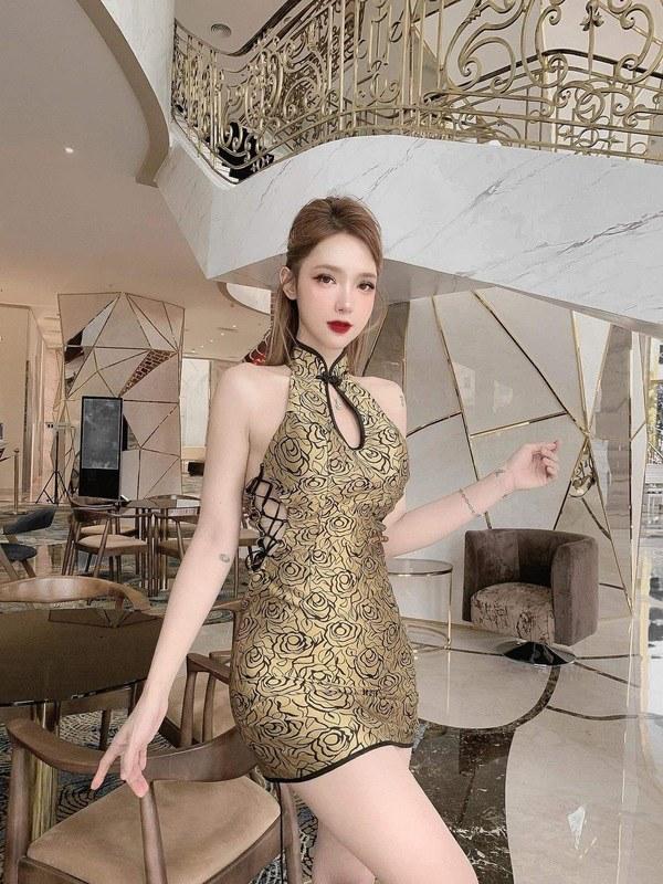 Mặc chiếc váy tàng hình dáng ôm sát, hot girl mê hoặc CĐM với đường cong mướt mắt - Hình 11