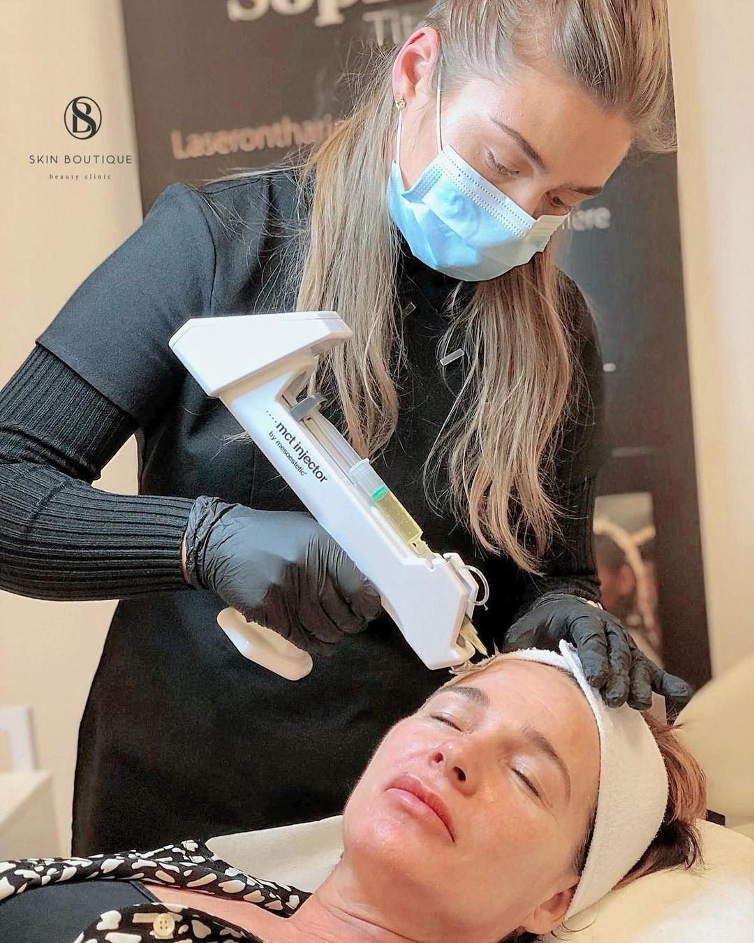 Phương pháp tiêm nghìn lỗ trên mặt: Chục triệu đổ vào 1 mũi nhưng chuyên gia chăm sóc da lại chỉ ra 1 điều nguy hại - Hình 2