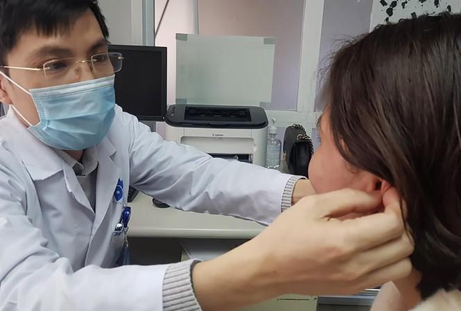 Hệ lụy tiêm chất làm đầy tạo hình tai Phật - Hình 1