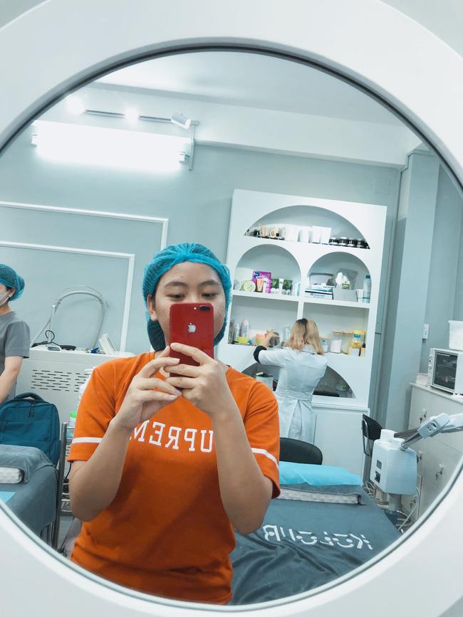 Lần đầu trải nghiệm dịch vụ nặn mụn 99k, tôi đã sợ hết hồn sau khi được nhân viên hút máu bầm trên mặt - Hình 1